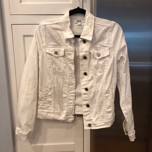 JBD White Jean Jacket Size Small!